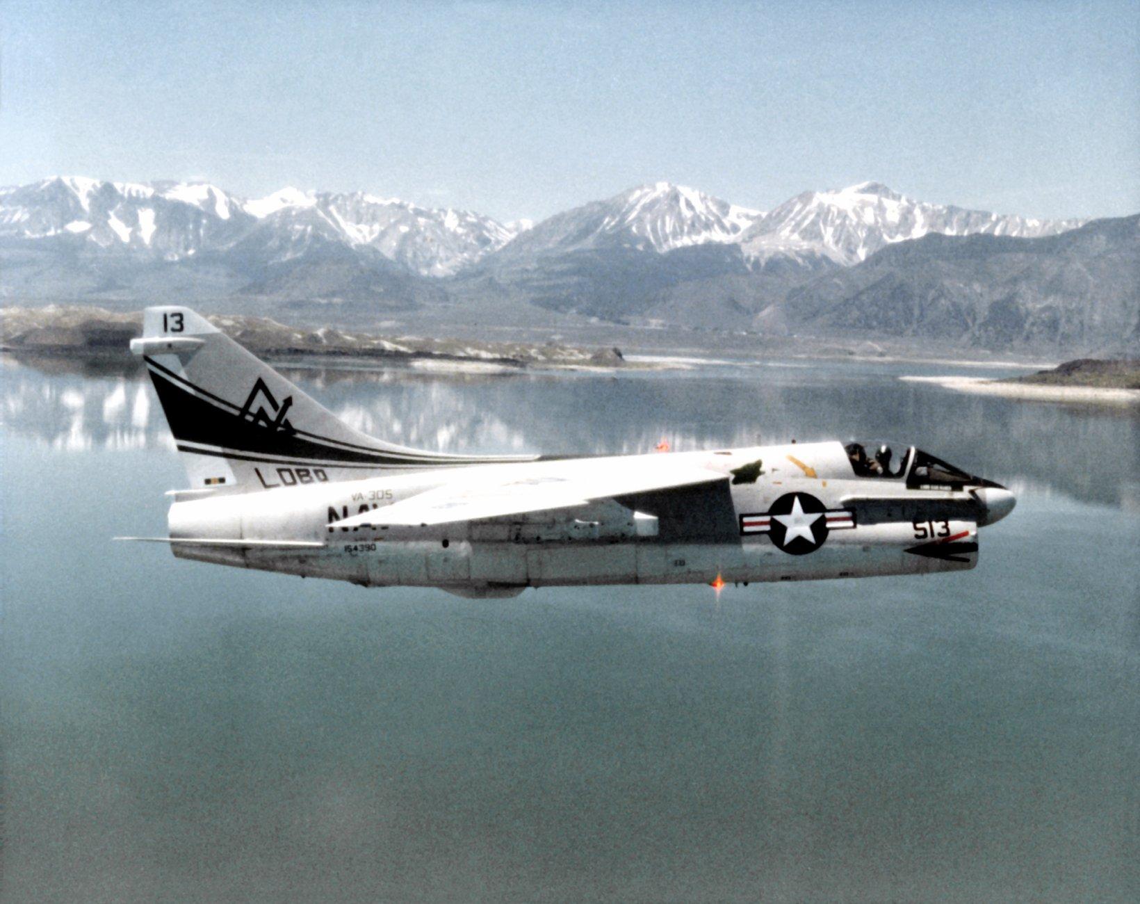 A-7B Corsair II -
