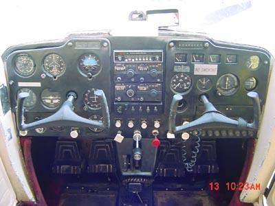 Cessna 150 - Cessna 150 instrument panel