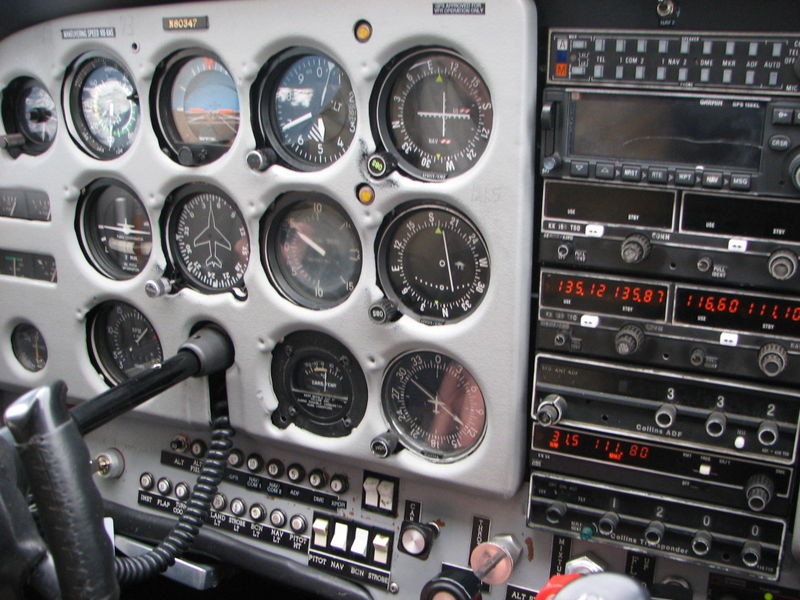 Cessna 172 Skyhawk - Cessna 172 Skyhawk intrument panel