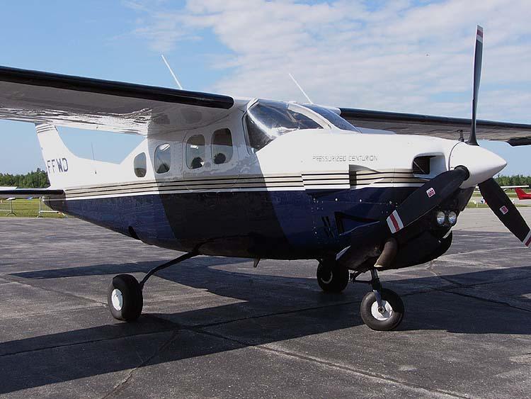 Cessna P210N Centurion -
