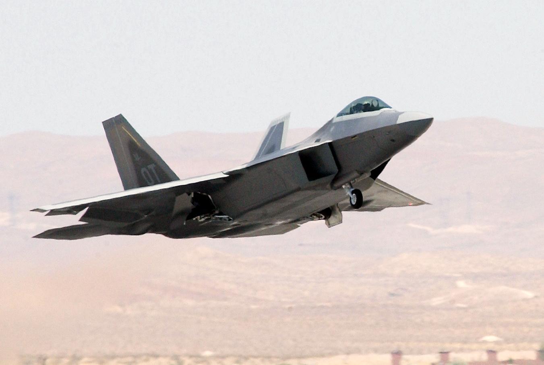 F-22A Raptor - F-22A Raptor taking off.