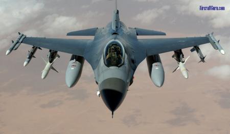 F-16 Fighting Falcon -