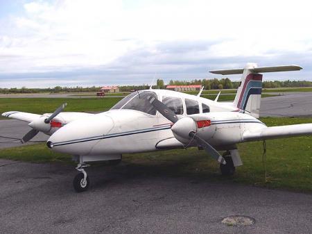Piper PA-44-180 Seminole -